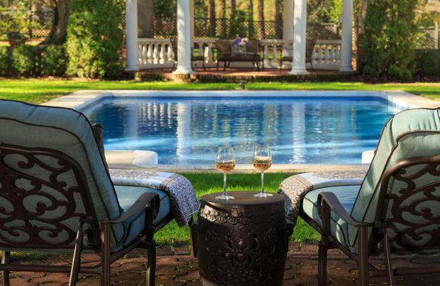 41-pool-area.jpg