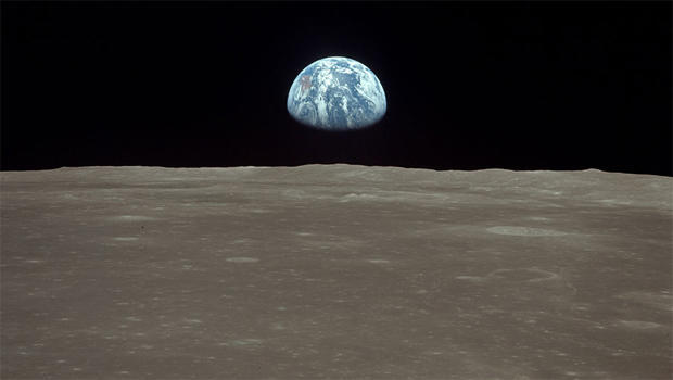 apollo-11-earthrise-over-the-moon-surface-nasa-620.jpg