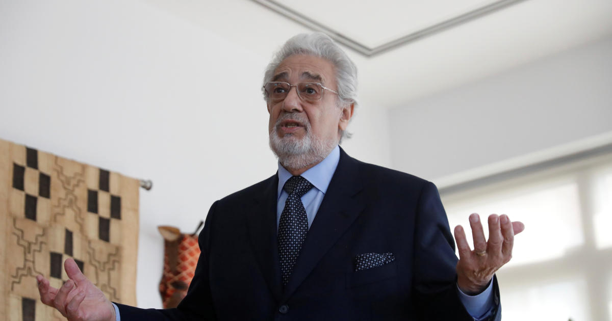 "Placido Domingo says his apology gave ""wrong impression"" thumbnail"