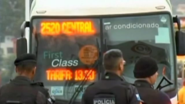 cbsn-fusion-police-shoot-man-who-took-bus-passengers-hostage-in-brazil-thumbnail-1916070-640x360.jpg