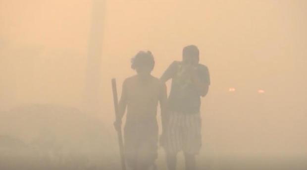 bolivia-smoke-men.jpg