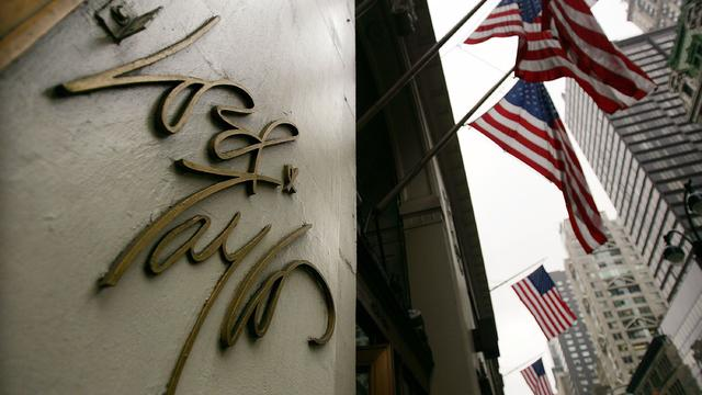 Federated Department Stores To Sell Lord and Taylor