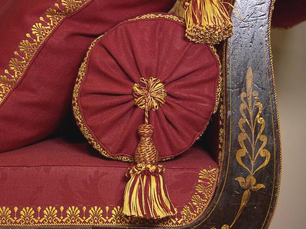 colonial-williamsburg-lounge-chair-promo.jpg
