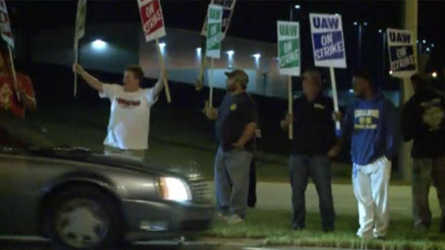 gm-uaw-strike-091619-fort-wayne-indiane-gm-plant.jpg