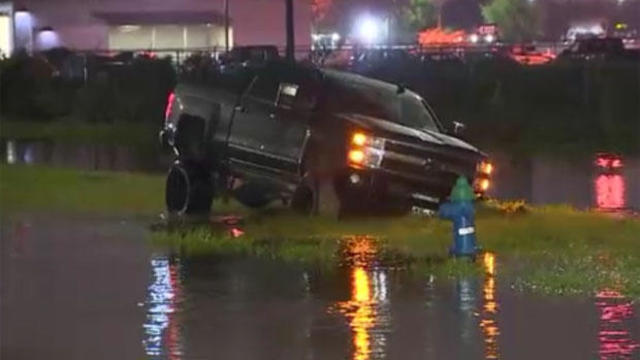 stuck-suv-houston-flooding-tropical-depression-imedla-091819.jpg