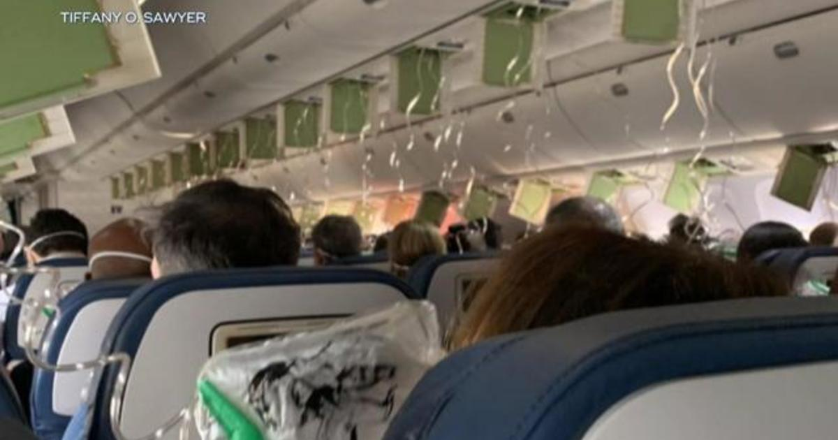 "Passenger describes ""screaming"" on Delta flight amid 29,000-foot descent"
