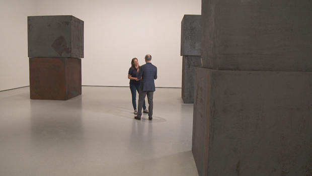 moma-equal-by-richard-serra-2015-serena-altschul-with-glenn-lowry-620.jpg