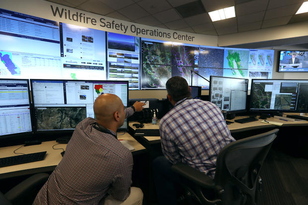 California's PG&E Offers Media Tour Of It's Wildfire Operations Center