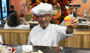 93-year-old gains new lease on life with cupcake business
