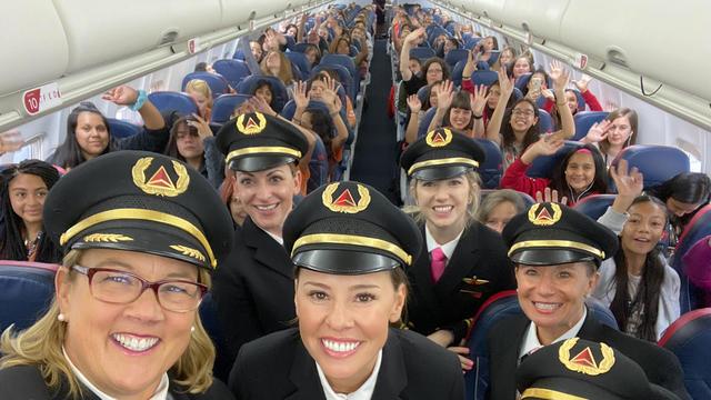 wing-flight-selfie-2000px.jpg