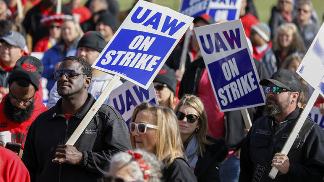 United Auto Workers Enter Fifth Week Of GM Strike