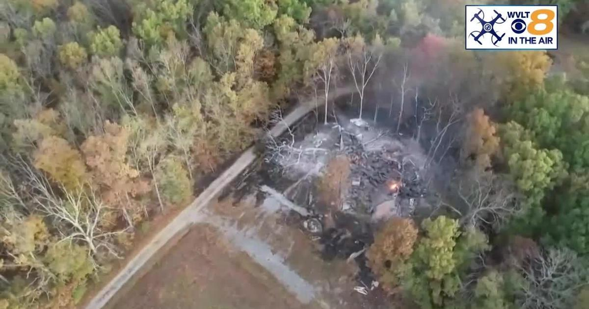 Picture of: Crossville Treehouse Fire World S Largest Treehouse Burns To The Ground In Tennessee Cbs News