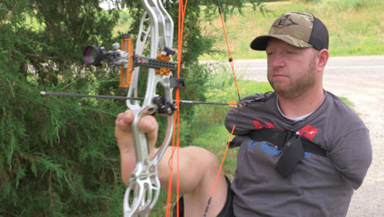One of the top-rated archers in the country, Matt Stutzman, was born without arms.  CBS NEWS