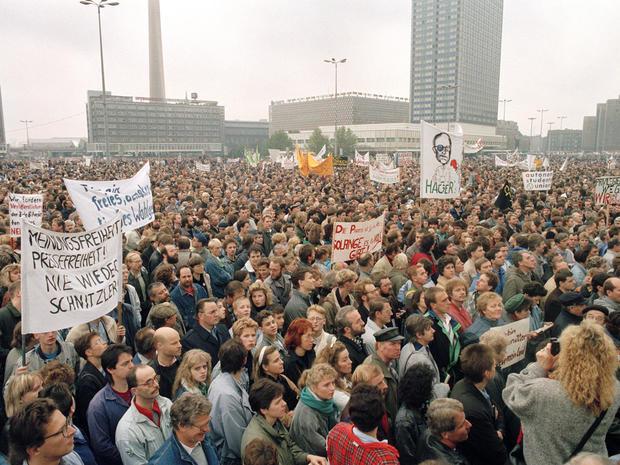 Germany Berlin Wall Timeline