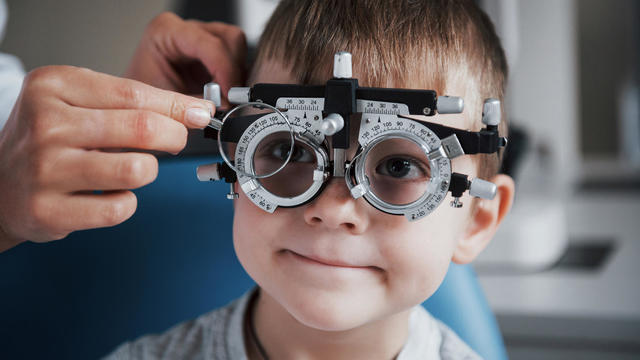 kid-taking-eye-exam-800x450.jpg