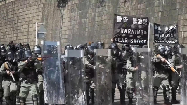 1118-cbsn-universityflashpointhonkkongprotest-10554-1979330-640x360.jpg