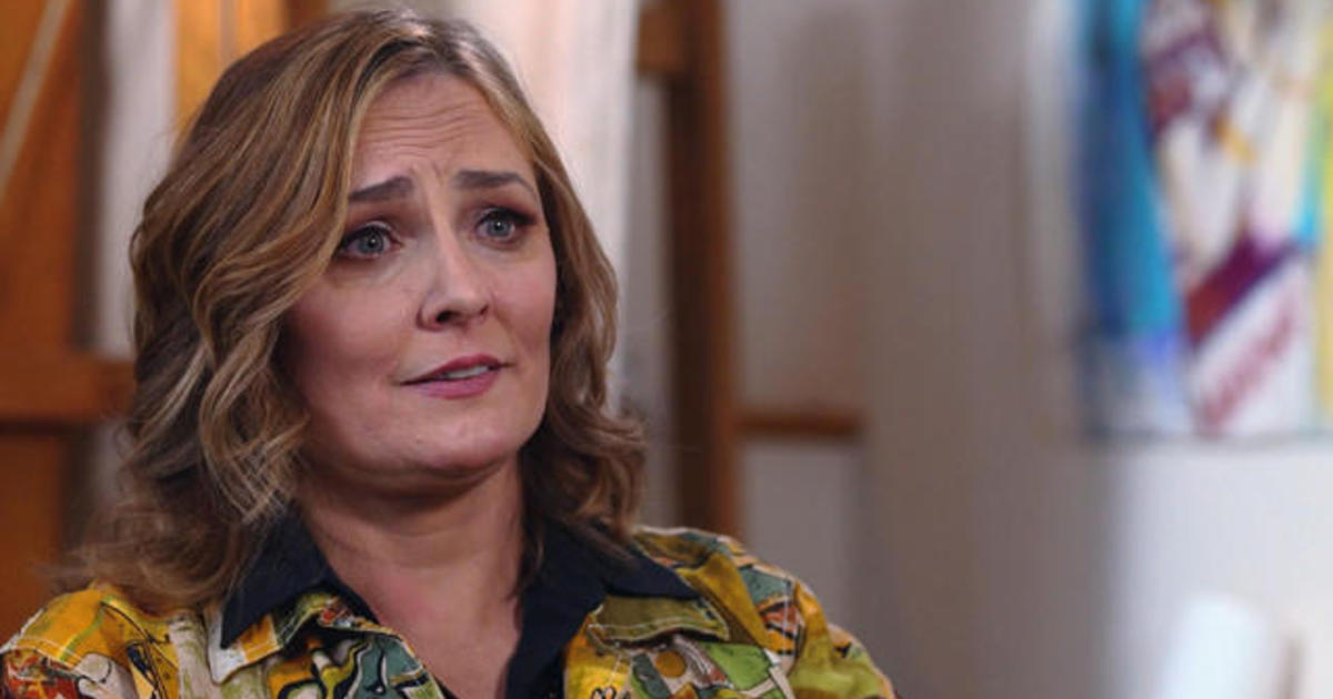 Jeffrey Epstein Accuser Maria Farmer Says Ghislaine Maxwell Threatened Her Life After Assault Fbi Failed Cbs News
