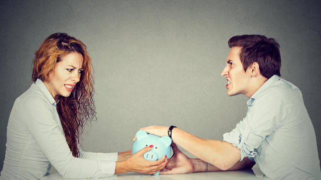 Wife and husband can not make settlement holding piggy bank