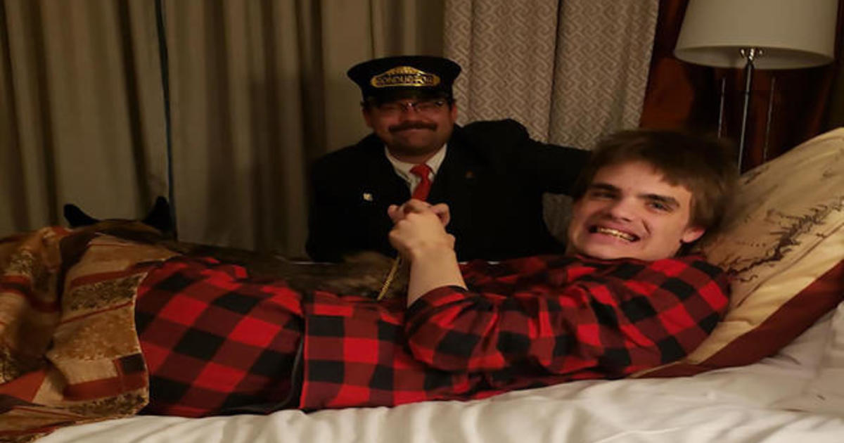 """Boy with autism gets magical """"Polar Express"""" experience after missing train"""