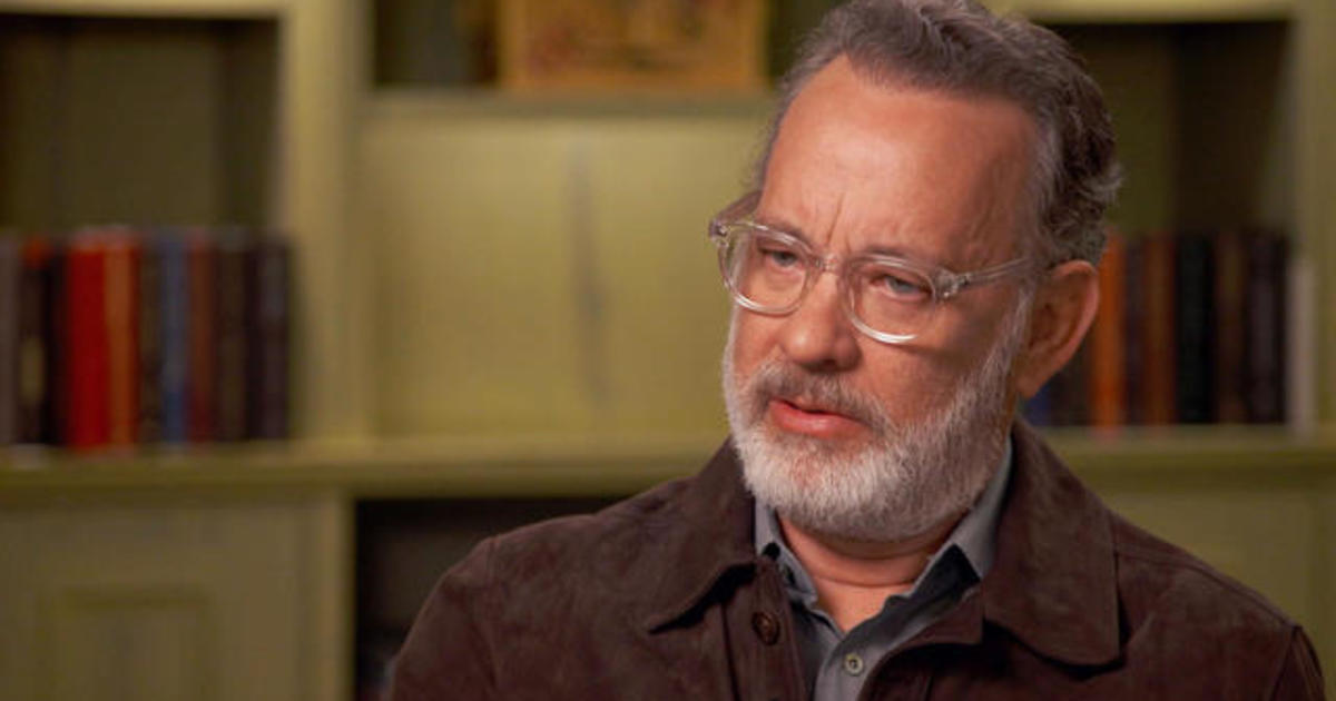 Tom Hanks Playing Mister Rogers In A Beautiful Day In The Neighborhood Was Terrifying Cbs News