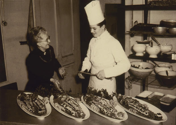 chef-jacques-pepin-age-16-preparing-banquet-for-firemans-ball-at-hotel-in-bellegarde-france-620-tall.jpg