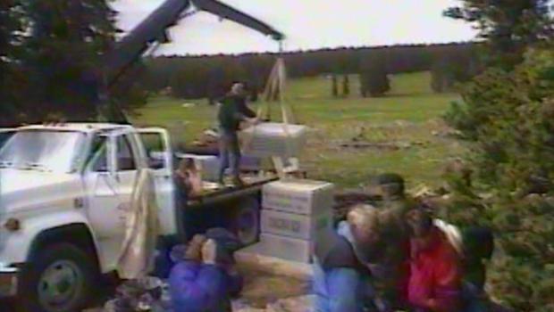 soldierstone-erecting-memorial-in-1995.jpg