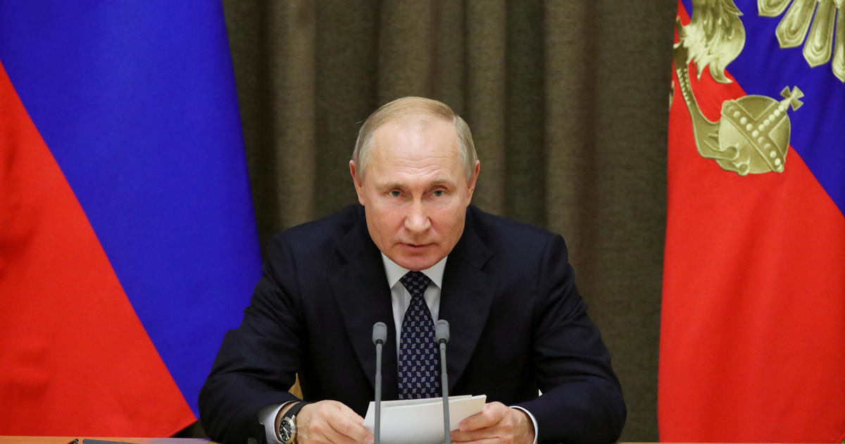 Russia S Vladimir Putin Signs Expansion Of Foreign Agent Laws Seen As New Tool In Crackdown On Free Speech And Press Cbs News