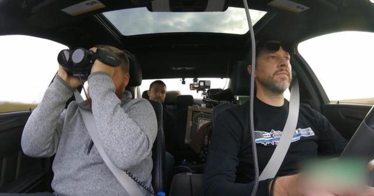 Trio drives from New York to Los Angeles in 27 hours, setting new Cannonball Run record