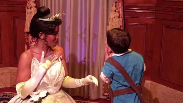 1210-boy-with-autism-kisses-disney-1991864-640x360.jpg