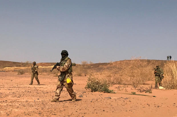 FILE PHOTO: Nigerien commandos simulate a raid on a militant camp during the U.S. sponsored Flintlock exercises in Ouallam
