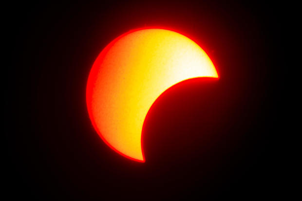 TOPSHOT-MYANMAR-ASTRONOMY-SOLAR-ECLIPSE