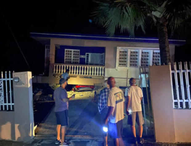 puerto-rico-earthquake-120719-house-collapsed-on-car-in-city-of-yauco.jpg