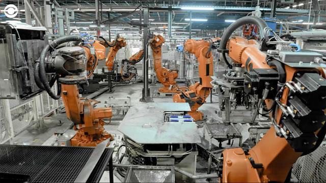 robotstakingover-2004884-640x360.jpg