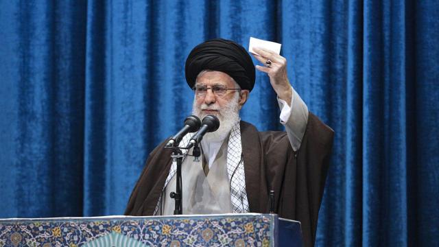 ayatollah-ali-khamenei-sermon.jpg
