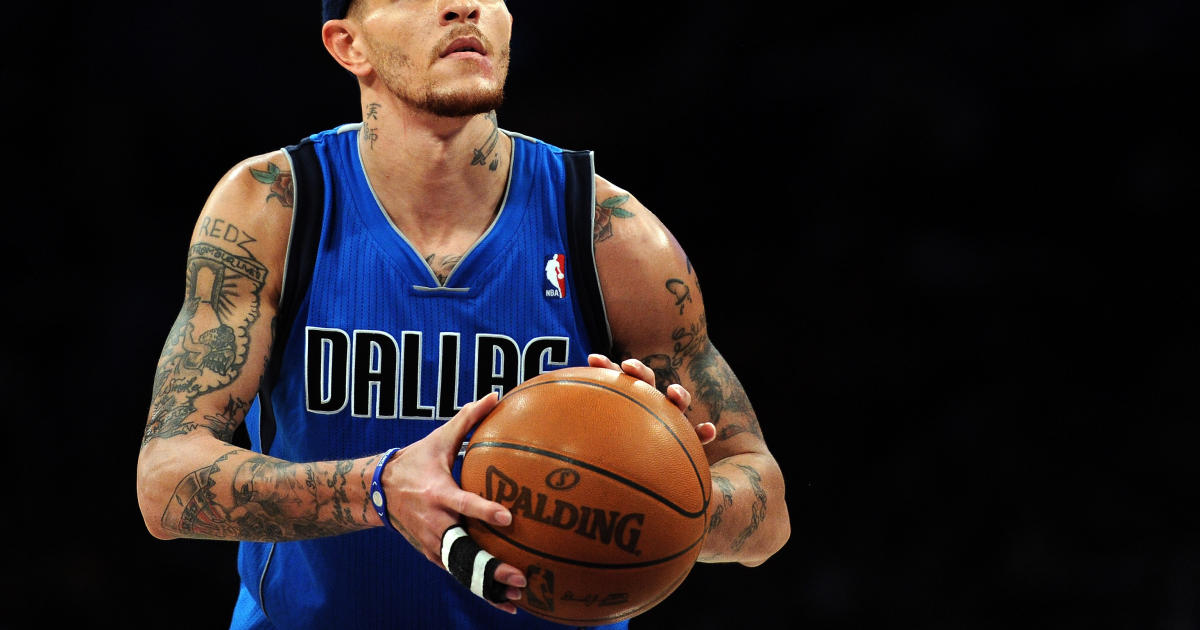 Video shows former NBA player Delonte West being beaten