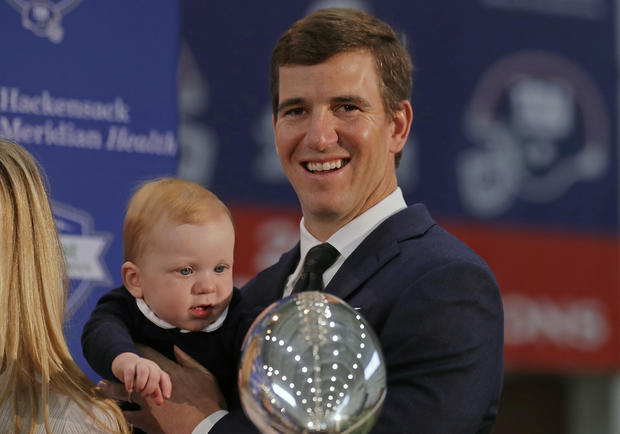 Giants Manning Retires Football