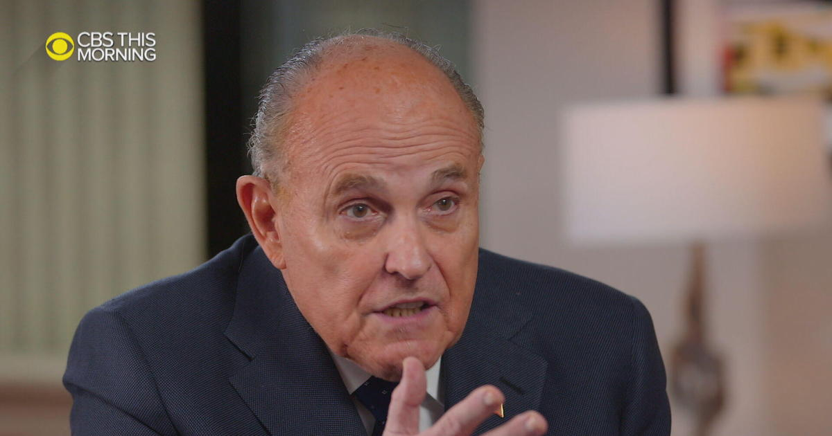"""Giuliani says he """"never ever"""" discussed Ukraine aid with Trump thumbnail"""