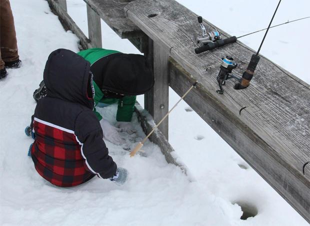 ice-fishing-michigan-winter-festival-620.jpg