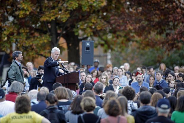 Bill Clinton Campaigns With Democratic Senate Candidate Joe Sestak