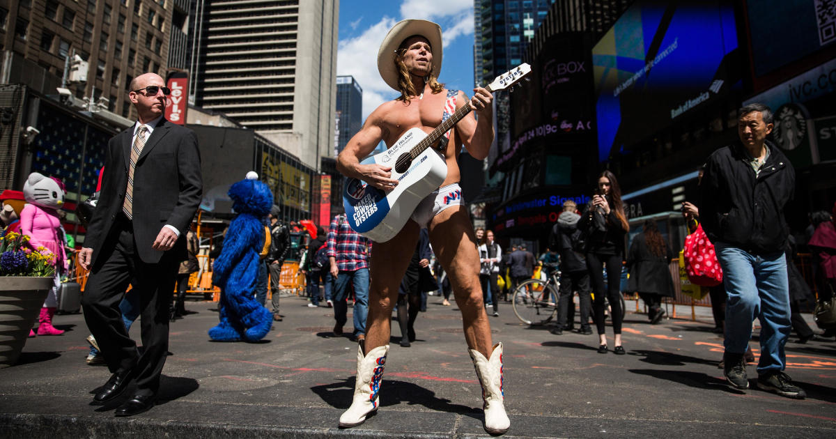 Naked Cowboy and Uncle Dick: Moments you might have missed during the CBS News Democratic debate