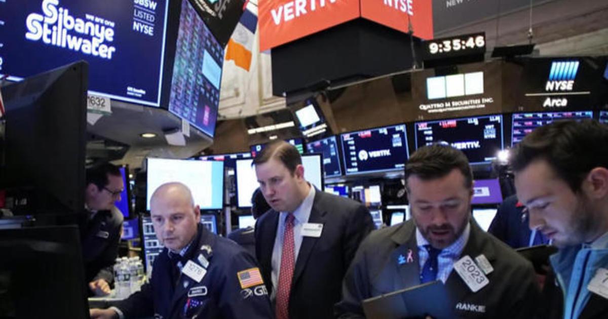 Coronavirus fears lead to worst week on Wall Street since 2008