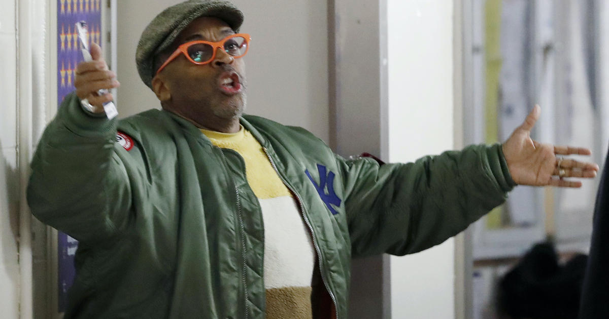 "Spike Lee says he's being ""harassed"" by Knicks owner thumbnail"