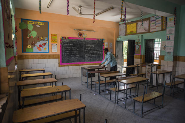 Indian Provinces Shut Schools After 1st Covid-19 Death