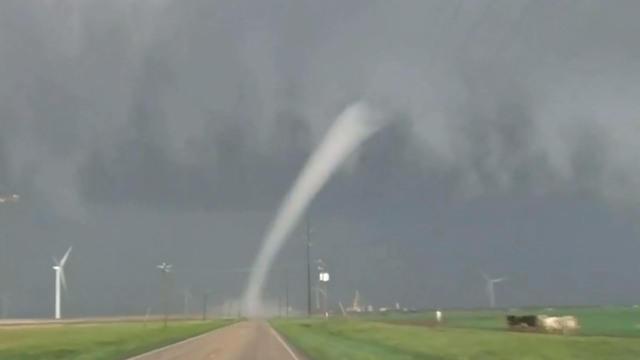 0506-tornadodrones-1310449-640x360.jpg