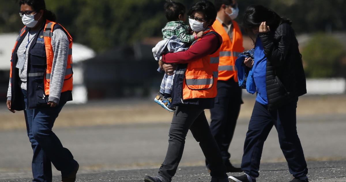 Guatemala to resume receiving deportees from U.S. even with asylum deal on support over coronavirus thumbnail