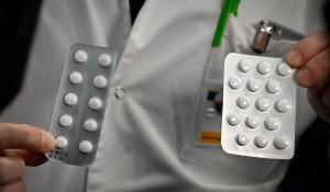 """""""There is hope"""": 2 drugs that could help patients fight the virus"""