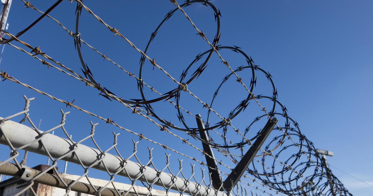 1,700 inmates released from Los Angeles County in accordance with coronavirus outbreak thumbnail
