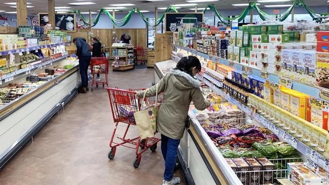 coronavirus-grocery-shopping