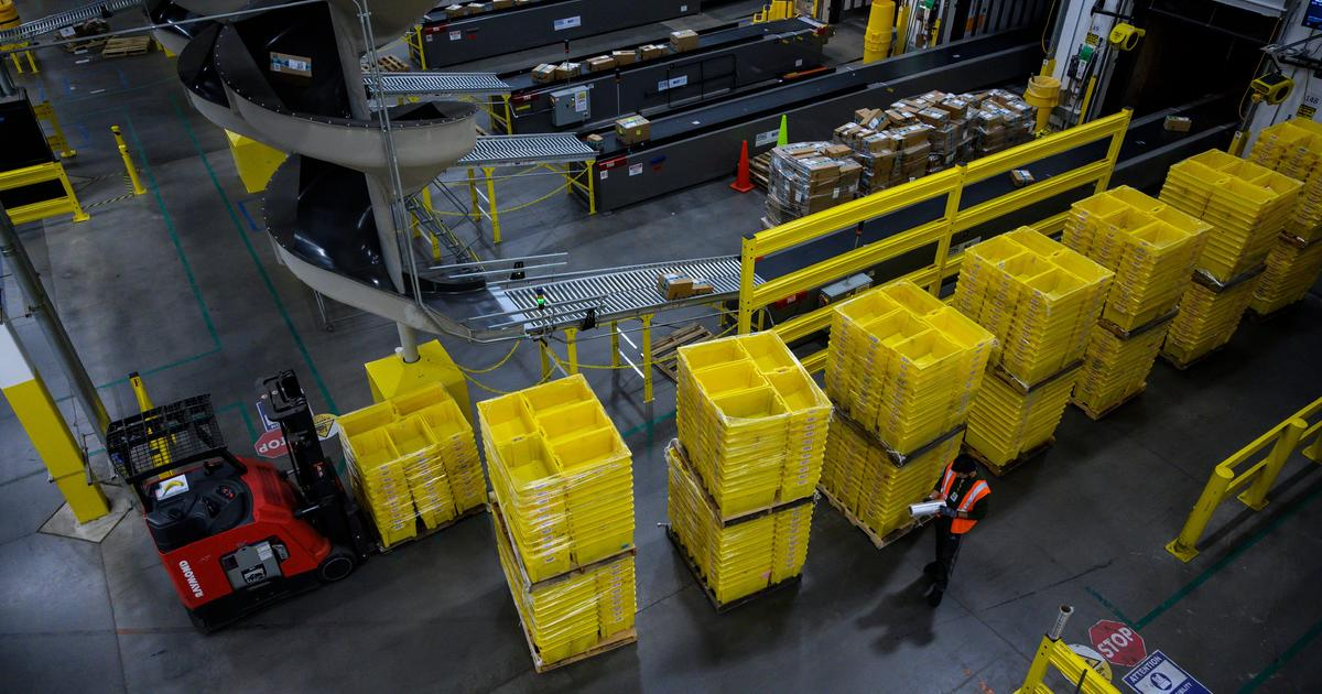 www.cbsnews.com: Amazon workers have highest warehouse injury rate, labor groups say