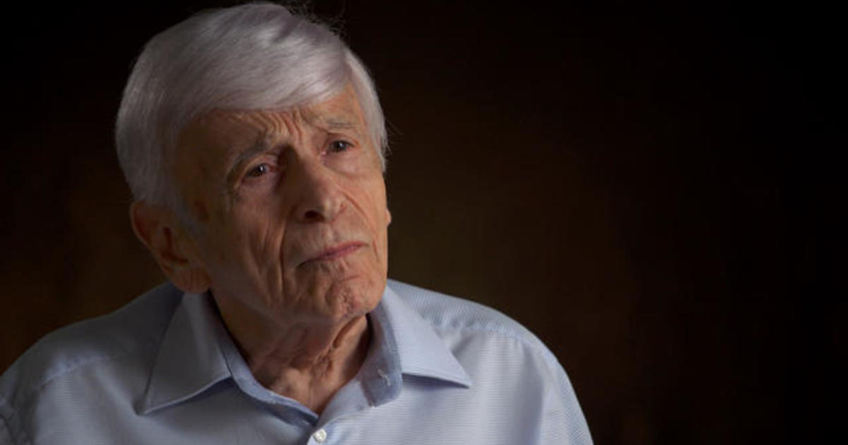 Holocaust survivor recalls the last thing his father said to him